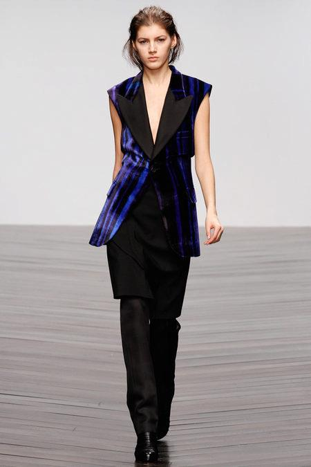 images/cast/10151239455242035=Fall 2013_14 COLOUR'S COMPANY fabrics x=todd lynn london